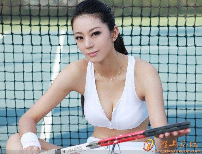 中国第一黄金比例身材美女艾尚真组图 美女贴